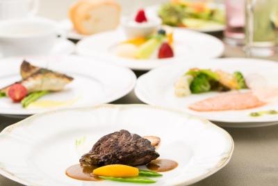 ホテルのフレンチレストラン&宴会場でのキッチンスタッフ!洋食調理経験が活かせます。