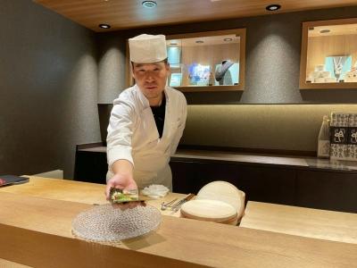 寿司という芸術を楽しんでもらえるような高級な空間を作ります