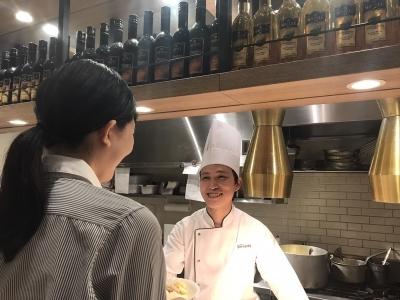 有名ホテルやハウスウェディングなどで技術をみがいた30代の料理長を筆頭に、若手が多数活躍しています!