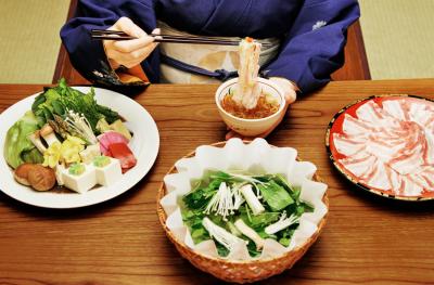 京都市内で展開している日本料理店2店舗で、若女将候補となる和装ホールスタッフを募集。