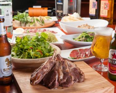 かに料理専門店はじめ、和食や炉端、焼肉など、さまざまなジャンルの飲食店を全国に展開しています。