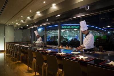 【月給25万円~/ゆくゆくは料理長へ】鉄板焼きの経験を活かし、京料理の伝統を受け継ぎませんか?カウンター調理でやりがいも十分!お酒の知識も身に付きます◎
