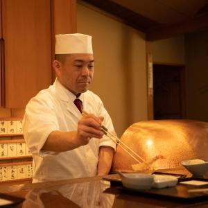 京都祇園の豊かな食材をお客様の目の前で調理し、揚げたてをご提供。
