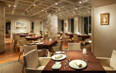 南青山の一等地にお店を構えるイタリアンレストランで、パティシエとしてご活躍を。