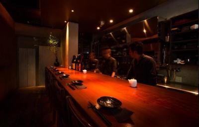 豊洲&芝浦直送の新鮮な地魚、食材と地酒・ワインを楽しむ和食ダイニングバーで、スタッフ募集