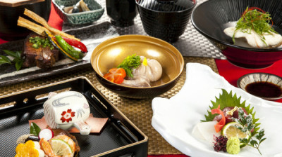 懐石料亭などで腕を磨いてきた料理長のもと、和食の基本から腕を磨けます!