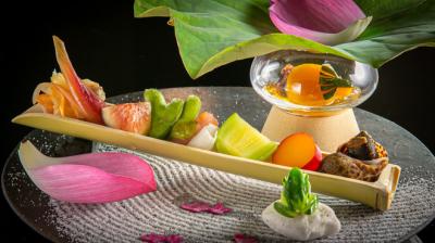 旬な京野菜と和牛が織りなす五感で味わう京料理をご提供しています。