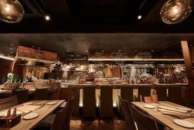 日比谷、五反田、新橋、渋谷に展開する洋食業態4店舗で、ホールスタッフを募集します!
