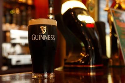 本場ギネス醸造所醸造責任者から、最高品質の味わいとお墨付きを頂くギネスビール◎