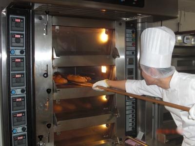 業務を通じて、世界に通じる製パン技術を手にすることができます!