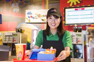 レゴカフェでの業務全般をおまかせします!積極的に行動できる人を歓迎しています☆