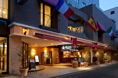 大通りに面している、ヨーロピアンテイストのオシャレなレストランです♪