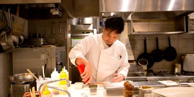 都内に44店舗を展開する「魚金グループ」で料理人になりませんか?