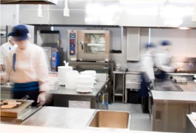 大手製紙会社内の厚生施設にて、キッチンスタッフとしてご活躍を。
