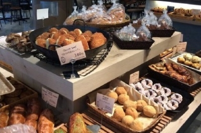 東京都内にあるベーカリーカフェで、店舗スタッフ(店長候補)を募集しています。