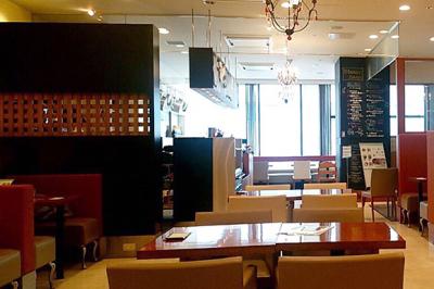 洋食からデザートまで、美味しいお食事を楽しんでいただけるカフェです。