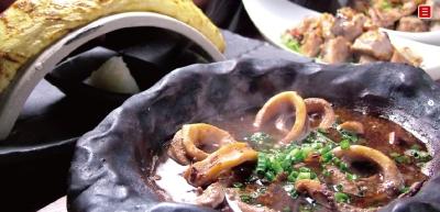 県内の食材をふんだんに使った料理を提供します。
