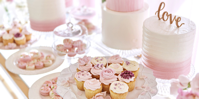 唯一無二のおいしいウェディングケーキやデザートを作り、最高の日を演出しましょう