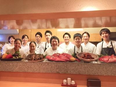 九州・西中洲に本店があり、銀座店は2号店。銀座の大人の食事処で、料理人として腕をみがきませんか?