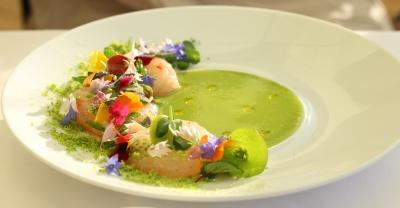 お食事はイタリアンをベースに、信州・長野の素材を使用したオリジナリティあふれる料理の数々。
