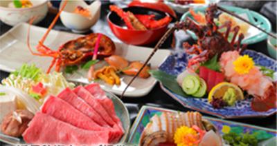 伊勢海老やアワビ、松阪牛など高級食材をふんだんに使用した和食はたいへん好評です。