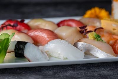 ドイツ・デュッセルドルフにある創業35年の本格和食レストランで、和食・寿司の調理スタッフ募集!
