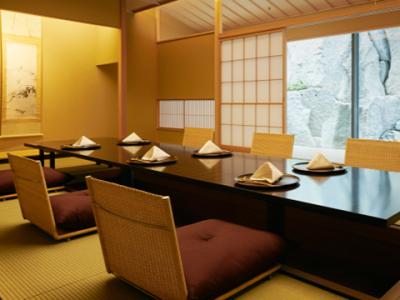 日本を代表するラグジュアリーホテルにある日本料理店があなたの活躍するステージです。
