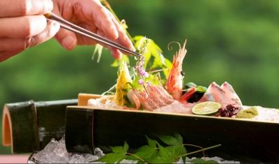 石川県加賀市・山中温泉にあるリゾートホテル内のレストランで調理スタッフを募集します。
