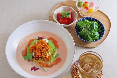女性のお客様に人気のカフェ【こなな】【ココノハ】で、キッチン・ホールでご活躍ください!