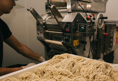 麺やスープはイチから手作り!化学調味料は一切不使用の、身体にやさしい本格派ラーメンです