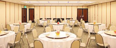 熊本市内にあるホテル内で、ホールスタッフとしてご活躍ください!