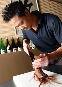「津駅」より徒歩2分の立地にある創作和食居酒屋では、店舗運営スタッフを募集。