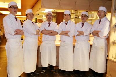 オープンしたばかりの『本家あべや 田町店』を含めた4店で、キッチンスタッフの募集です!