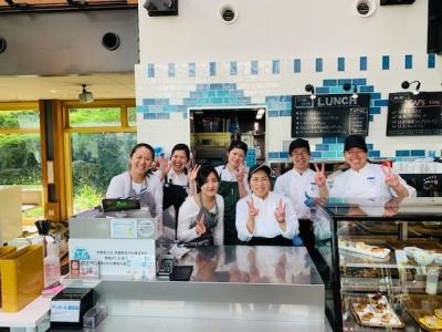 新しい駅が開通し、いま話題の梅小路公園にあるレストランでアルバイト!