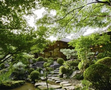 日本文化が好きな方、調理人としてキャリアを積みたい方に、ぴったりな環境です(高瀬川二条苑)