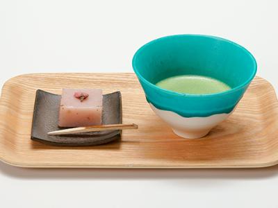 140年の伝統に裏打ちされた名物和菓子の味をお届け