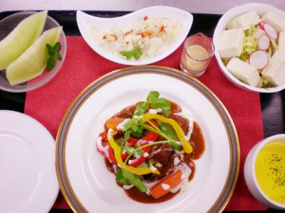 和・洋・コース料理を提供するクリニックでの調理業務をおまかせ!ホテルでの調理経験者は大歓迎です♪