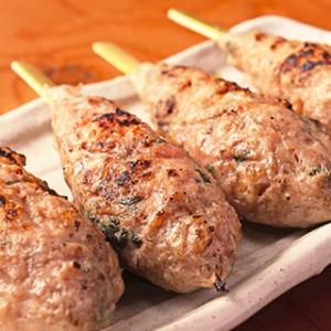鶏料理専門店やバーガーショップなど、5業態約100店舗を展開する企業。