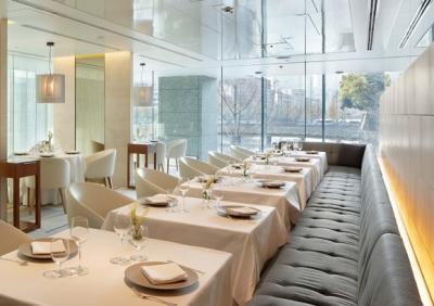 世界的に有名なシェフが手がけるレストランで、キッチンスタッフとしてご活躍を。