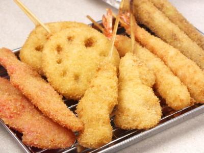 大衆アジアンビストロや串カツ店などの飲食店を運営しています。