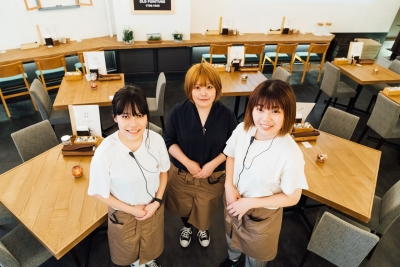 夢の居場所『#.icafe』に集うスタッフたちは、いつもキラキラ。あなたの仲間入りを歓迎します。