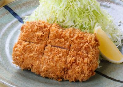 千葉県内に3店舗展開するとんかつ専門店で、キッチンスタッフを募集。