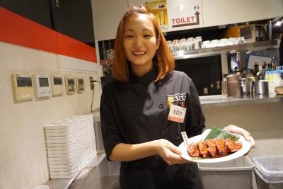 副店長は月給28万円~。店長をめざしてがんばってくださいね。