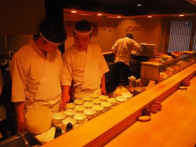 『鳥よし』都内6店舗と、『炭割烹 北野』で調理スタッフの募集です。