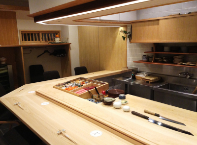 北新地の本格寿司店でスキルをみがき、一流の職人をめざしませんか。