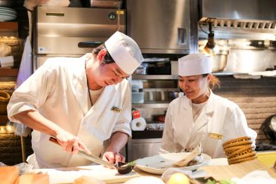 入社2年程度で料理長へ!半年という短期間で料理長に抜擢されたスタッフも。