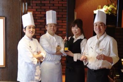 2018年冬には難波に新店がオープン!大阪きっての老舗ステーキハウスで調理スタッフを募集します。
