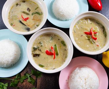 タイ&本場の味を再現したお料理は、オンラインショップでも販売中。