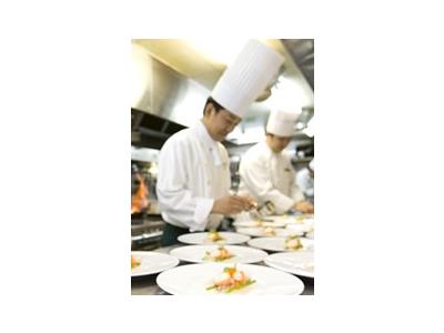 経験豊富なシェフのもと、あなたの調理経験を活かして、一層スキルをみがける環境