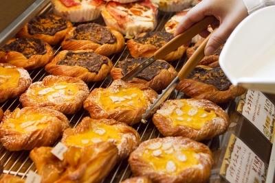 店内で一つひとつ心を込めてオールスクラッチ製法で焼き上げたパンは格別です。